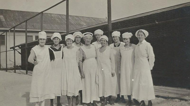 Santa Cruz High School cooking class 1918/1919. Courtesy of Carol Harrington.